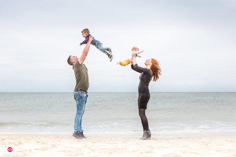 Lifestyle fotografie – Familie fotoshoot op het strand
