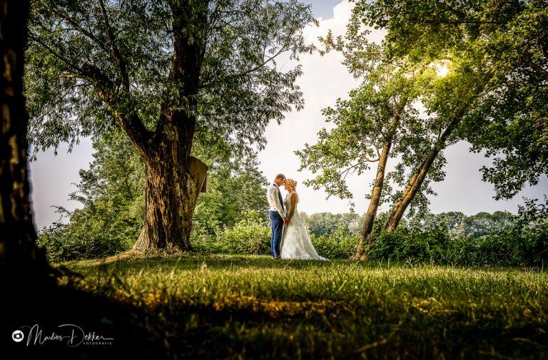 Trouwen op de boerderij – Trouwfotograaf Woerden – Karin & Jan