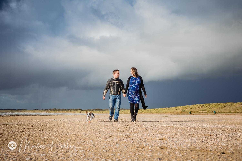 zwangerschapsfotografie loveshoot strand