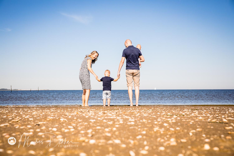 familiefotoshoot op het strand